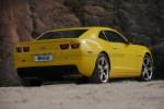 美式肌肉跑车的典型特质就是阳刚气十足。