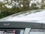 Virage是一款搭载V12发动机的跑车,在阿斯顿马丁的产品阵列中,它的定位介于DB9和DBS之间。