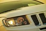 采用了熏黑设计的头灯,在城市SUV中显得与众不同。