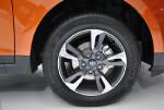 展车轮胎为米其林Energy XM2,尺寸为205/60R16,无疑要到高配车才能拥有。