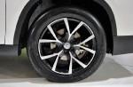 轮胎为米其林Primacy 3ST,尺寸是225/55R17。