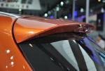 骏派D60算是站在了丰田这一巨人的肩膀上,除了借用上上代威驰的NBC平台外,还有丰田的1.8L发动机。这款车青出于蓝而胜于蓝的地方,则是采用6速自动变速器,而非老丰田车的4AT。