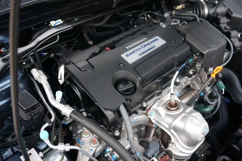 隐藏 17 / 50 2.0l发动机就不是本田最新的地球梦科技系列产品了.图片