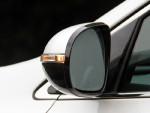 后视镜上集成的LED转向灯并不像很多国产车为了好看而已,侧后方真的可以看到一颗亮眼的LED灯珠。