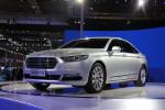 金牛座是类似君越的高规格B级车,在美国售价比蒙迪欧贵1/4,就看国产定价如何了。