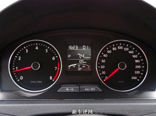 上海大众新桑塔纳评测 驾驶区细节 新车评网xincheping.com高清图片