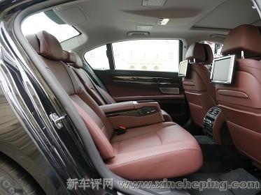 宝马740Li xDrive后排座椅怎么样 宝马7系Li评测 新车评网xincheping.高清图片