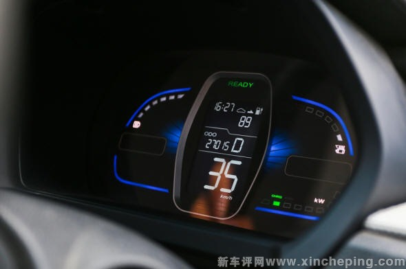 8.荣威E50纯电动车 续航里程与充电高清图片