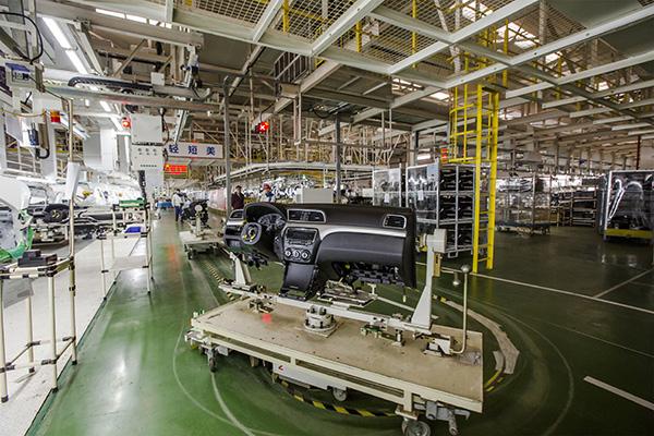 在国内主机厂中比较少见,采用摩擦驱动方式的优点是耗能低,噪音小,而