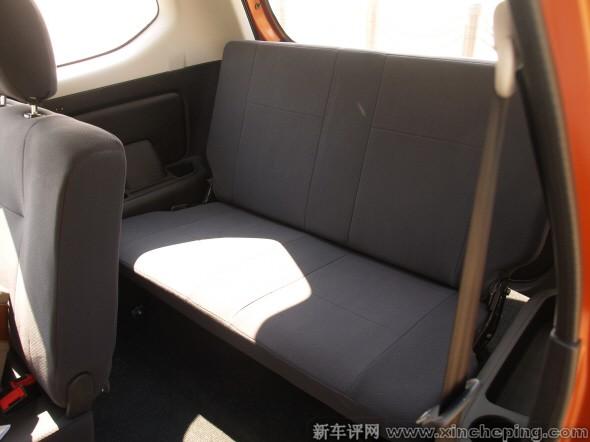 车评 原创车评 一汽森雅s80  s80的座椅与m80相仿,主副驾驶座都只有图片