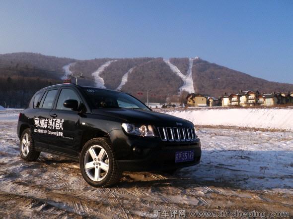 jeep指南者冰雪越野高清图片