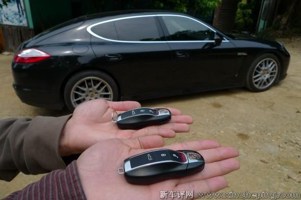 panamera的车钥匙是一部panamera的形状,设计非常有心思高清图片
