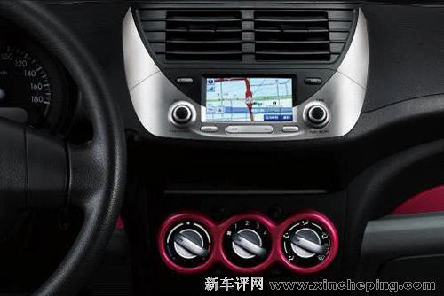 新奥拓炫酷型正式上市 两款车型售5.39万和6.29万高清图片