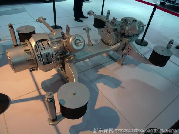 电机分别集成到每个轮子上,将电能直接通到轮毂电机上,并带有高清图片