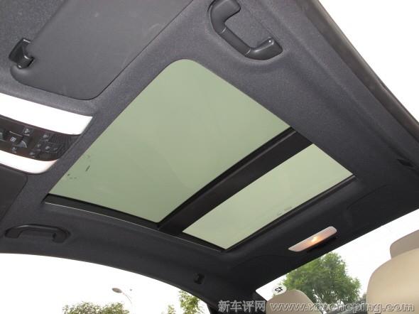 奔驰E260 Coupe全景天窗怎么样 奔驰E级轿跑评测 新车评网xinch