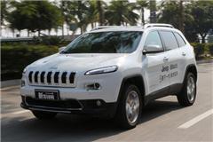 九速光环引发关注 Jeep自由光试驾视频