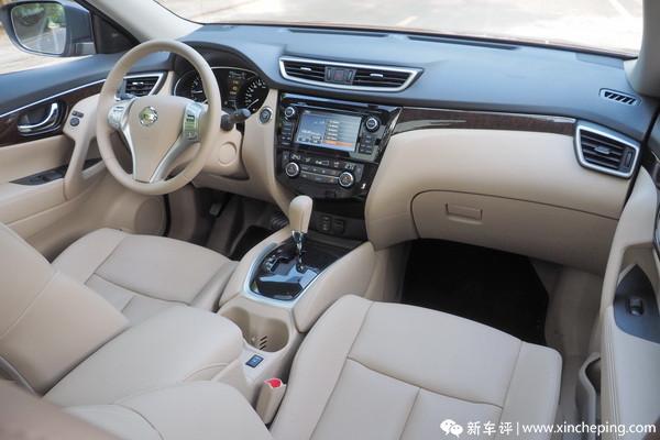 新奇骏长测(3)车厢里软软的触感和淡淡的白色