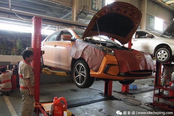 比亚迪秦长测(10)插电混合动力车的保养起来有玄机?