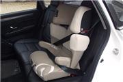 景逸S50长测(12)安装儿童座椅够不够方便?