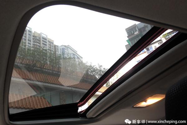 雷凌长测(22)简单易用,分工明确的天窗开关